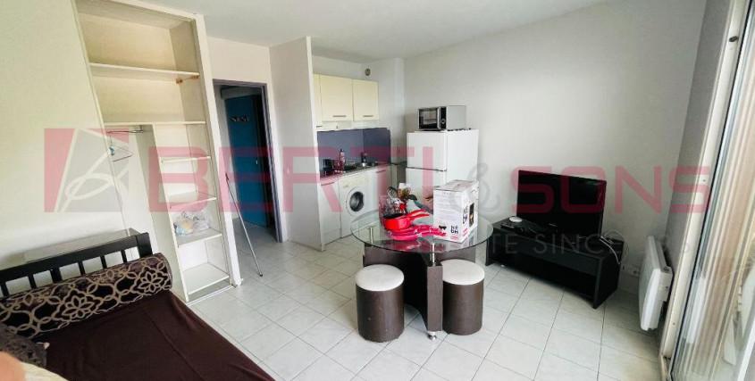 Location vide-Appartement-THEOULE SUR MER