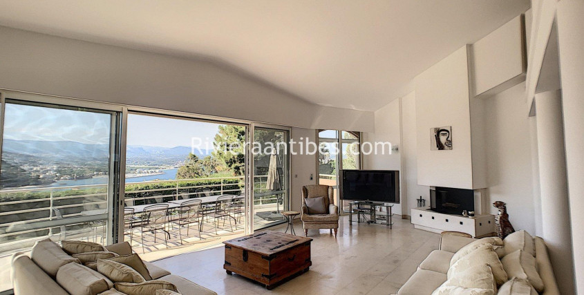 <br /> <b>Notice</b>:  Undefined property: city::$title in <b>/var/www/html/nexthome.fr/includes/inc.page4.php</b> on line <b>25</b><br /> Achat-Maison / Villa-