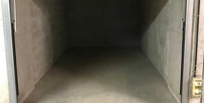 Achat-Garage / Box / Parking-ANTIBES