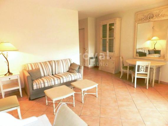 Location Saisonnière-Appartement-MOUGINS