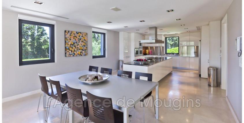 Location meublée-Maison / Villa-MOUGINS