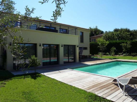 Location Saisonnière-Maison / Villa-ST-TROPEZ